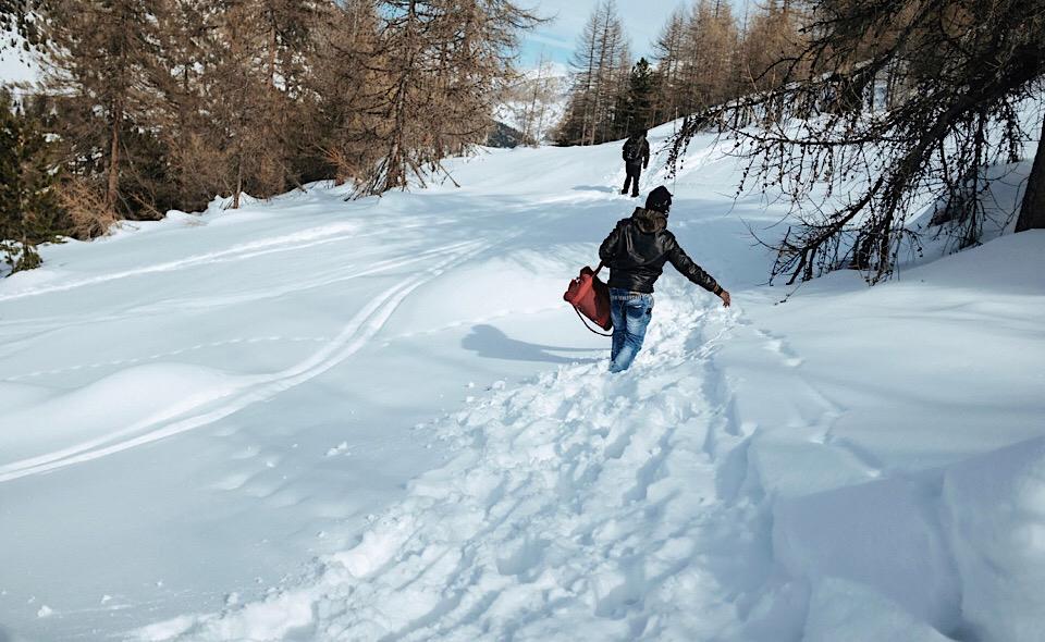 Alpi_Migranti_Neve1