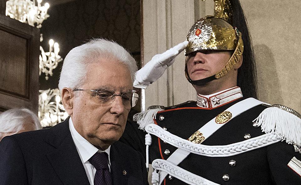 Mattarella1_Crisi1