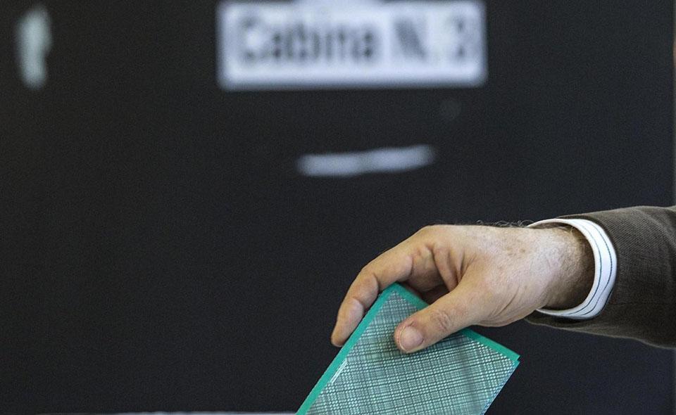 Foto Roberto Monaldo / LaPresse 24-02-2013 Roma Politica Seggi elettorali Nella foto Seggi elettorali  Photo Roberto Monaldo / LaPresse 24-02-2013 Rome Polling station  In the photo Polling station