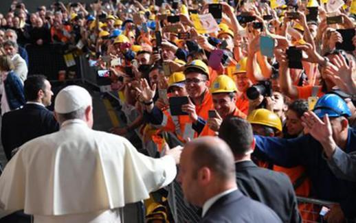 Papa Francesco visita l'Ilva di Genova