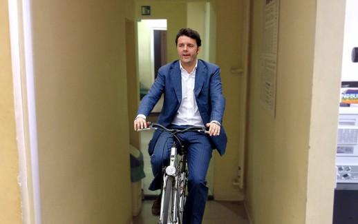 Renzi in bicletta