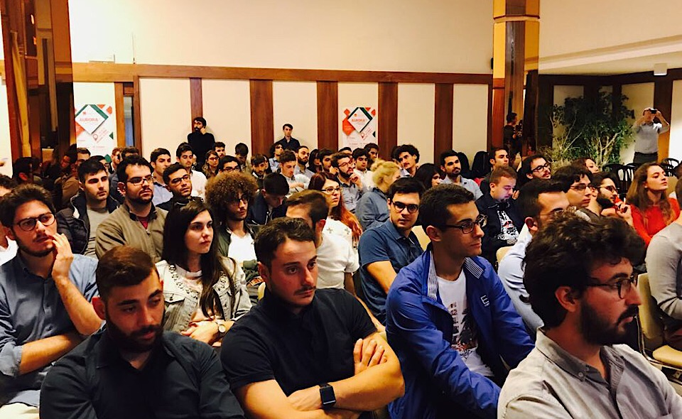 I giovani di MSG, il movimento giovanile di Articolo Uno-Mdp che partecipano ad Auroza7 in corso di svolgimento a Marina di Pisa